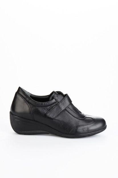 Siyah Kadın Dolgu Topuk Ayakkabı