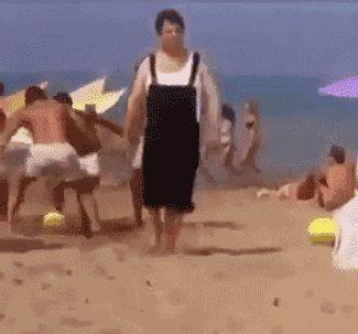 ビーチボール、そっちじゃねぇwww