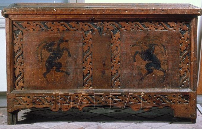 steinbock kunstwerk tischlerarbeit m bel truhe
