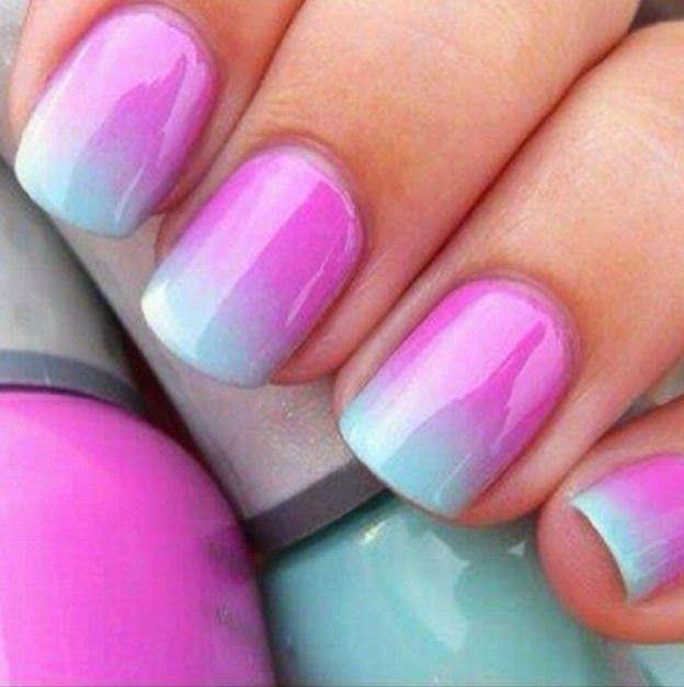 te maken met: sponsje twee kleuren nagellak