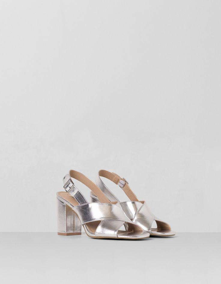 Sandalia metalizada tiras cruzadas | Blanco