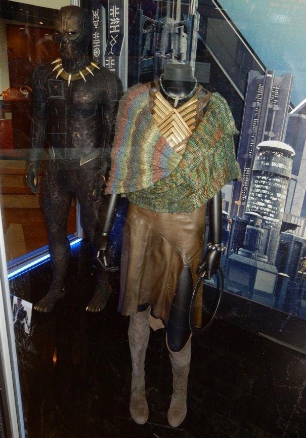 Lupita Nyong O Black Panther Nakia Movie Costume Nakia S Infinity Scarf By Jeff Gillies Malabrigo Mechi Black Panther Clothing Costume Design Movie Costumes