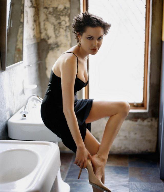 Fantastic 1000 Ideas About Angelina Jolie Short Hair On Pinterest Short Hairstyles For Black Women Fulllsitofus