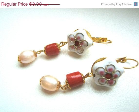 ON SALE Earrings Victorian style with cloisonné beads by LeSirenes, €7.12