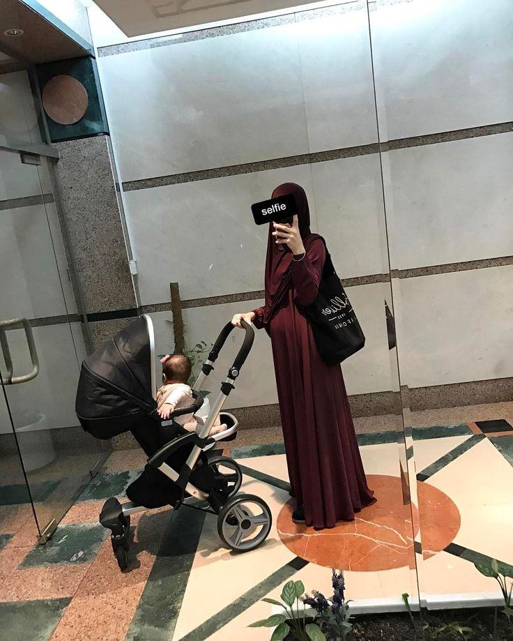 """1,043 Likes, 17 Comments - Khanifah/Designer⭐️ (@khanifah.collection) on Instagram: """"Широкое, необычное свадебное платье для тех кто носит (правильный) хиджаб )) цена 25 тысяч, (с…"""""""