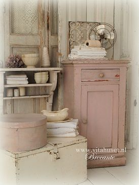 Pink Painted Furniture Love! shabby chic rustic french country decor idea