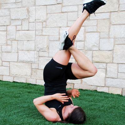 It's cool to see a women's fitness magazine incorporate jiu jitsu/mma drills in their magazine!