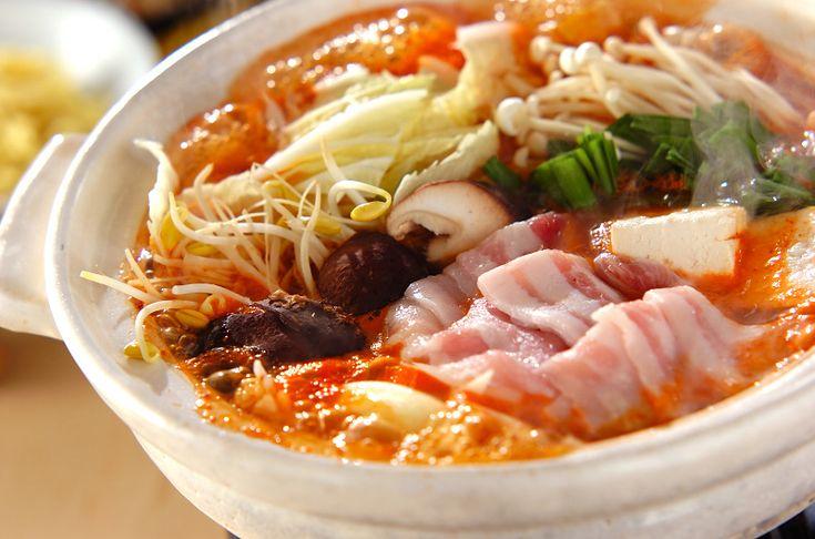 豚キムチ鍋のレシピ・作り方 - 簡単プロの料理レシピ   E・レシピ