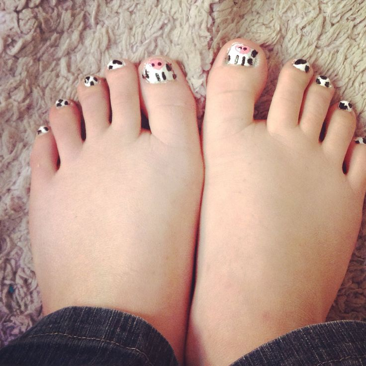 Cows moo cow black white. Funky cow toe nail art. Easy and fun