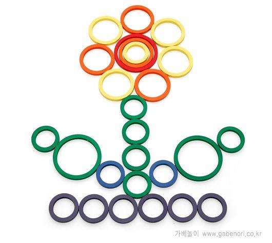 bloem van ringen en stokjes