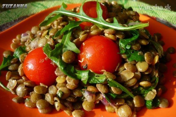 Šošovicový šalát s paradajkou a rukolou (fotorecept)