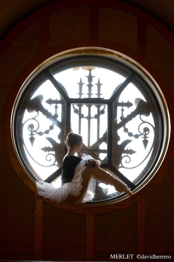 Léonore Baulac photographiée pour la marque Merlet. © David Herrero. #Ballet_beautie #sur_les_pointes  *Ballet_beautie, sur les pointes !*