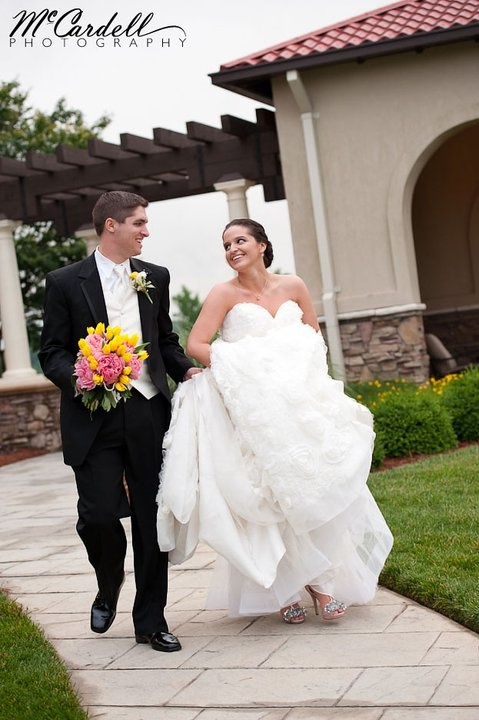 Bright colored flowers make a big splash in your wedding photographs!