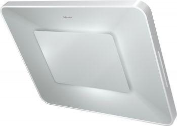 La nouvelle hotte inclinée DA 6996 W Pearl de Miele ajoute une note décorative à la cuisine