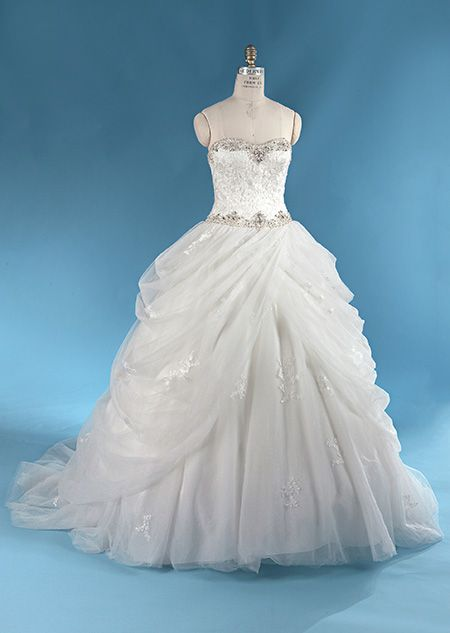 Best 25 disney wedding gowns ideas on pinterest for Wedding dress disney collection