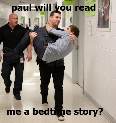 Oh paul. (I also feel the need to point out that i have come to the conclusion that liam only wears shoes for concerts)