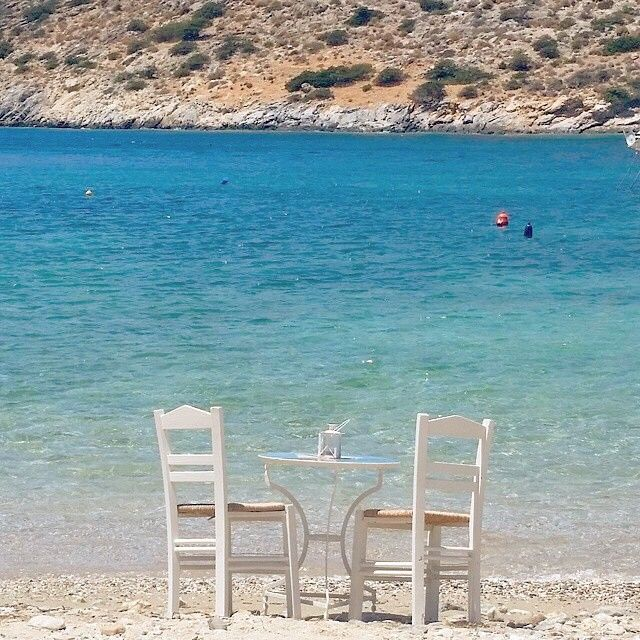 The best way to enjoy your coffee or your wine , at Schinoussa island (Σχοινούσα) ☀️. A very small island with a lot of beauty , part of small Cyclades .