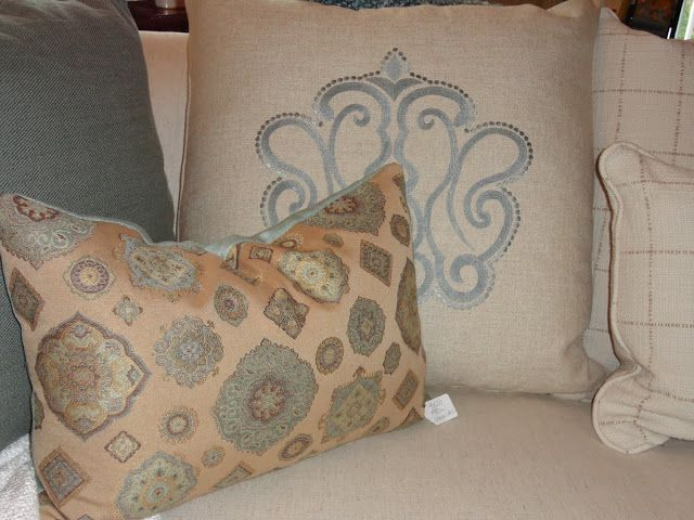 Shabby Chic Couch Pillows : 142 best pillows images on Pinterest