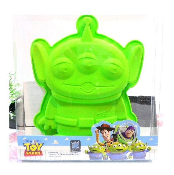 Disney Toy Story Alien Silicone Baking Tray Cake by funlots