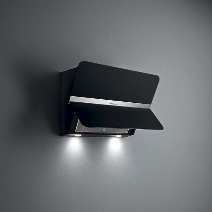 Design Flipper. A cooker hood that opens up to guarantee more efficiency.