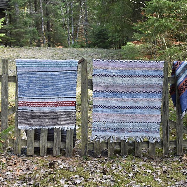 Beautiful blue...in lovely  vintage rag rugs from Sweden  Welcome to visit at www.rugsofsweden.com  #ragrugs #ragrugs #swedishdesign #swedishmoments #flickenteppich #kludetæppe