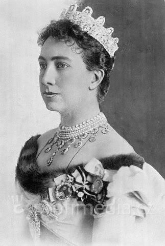 Queen Victoria in Swedish Royal jewels