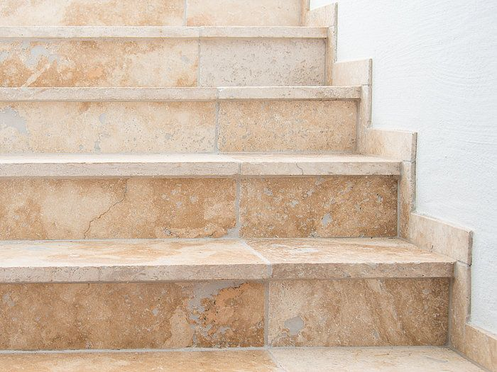Carrelage Rustic En Travertin Stonenaturelle Pierre Naturelle Amp Elegance Travertin Fliesen Natursteine Steine