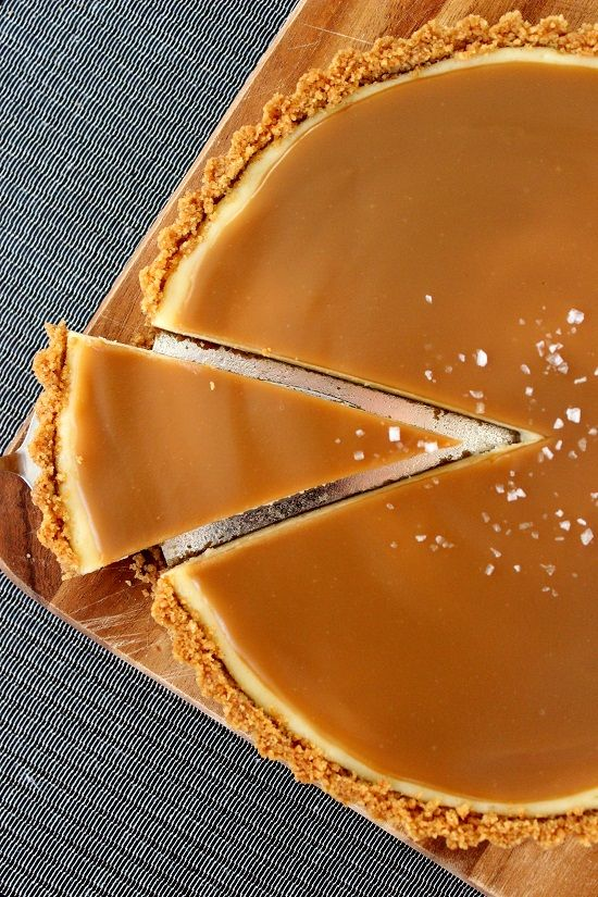 Salted caramel cheesecake pie | Recipes | Pinterest