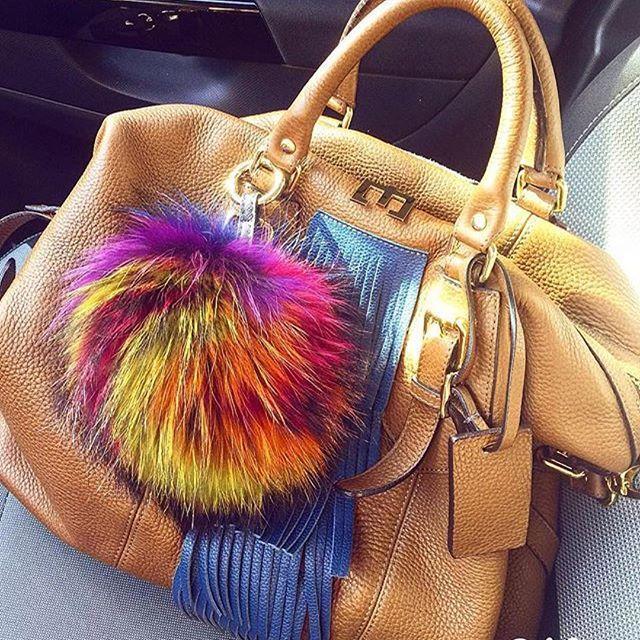 #Repost @benedettazoli with @repostapp ・・・ Woman style  @zenati_official love it !! ♥ #bag #bulso #borsa #pelle #zenati #madeinitaly #loveit #mystyle #newday #summer #woman #fashion #glamour #ootd #bibi #style