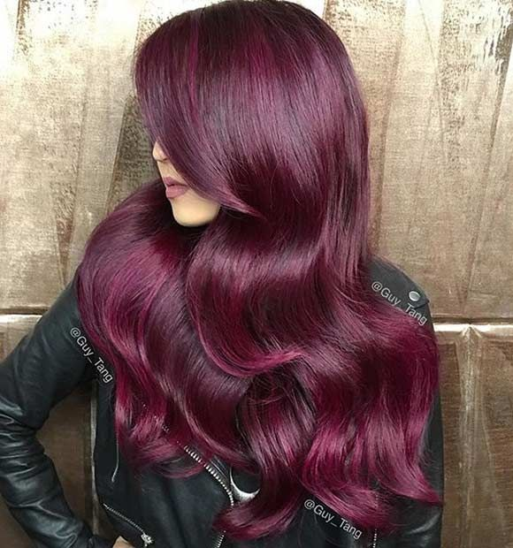 Red hair is always in fashion and although the shade of red might change, the color itself is in style every season. Do you remember the bright pillar-box reds Rihanna was rocki