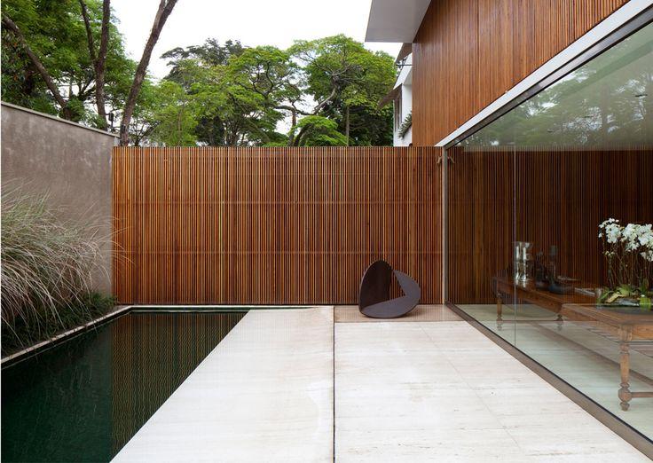 Bernardes & Jacobsen Arquitetura - Arqpad - Residência MAA - Jardim Europa, São Paulo – SP – Brasil - Foto: Leonardo Finotti