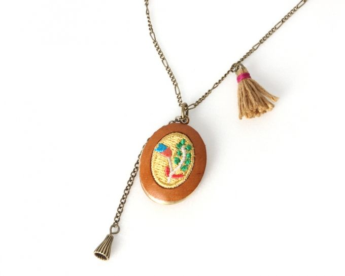 [Thursday Island] Women Shoes & Accessories Accessories WOMEN'S EMBROIDERED PENDANT NECKLACE T146MAC133W