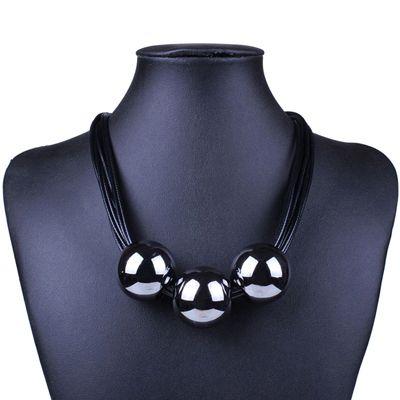 Женское многослойное кожаное ожерелье с большими подвесками-бусинами