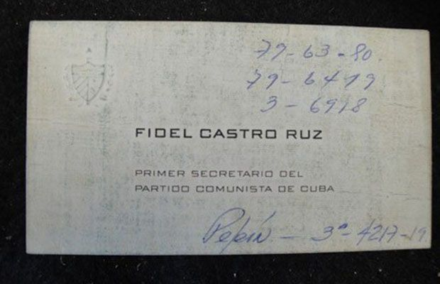 15 best minimalist biz cards images on pinterest business cards 25 awesome business cards from the worlds most successful people fidel castro castro kept colourmoves