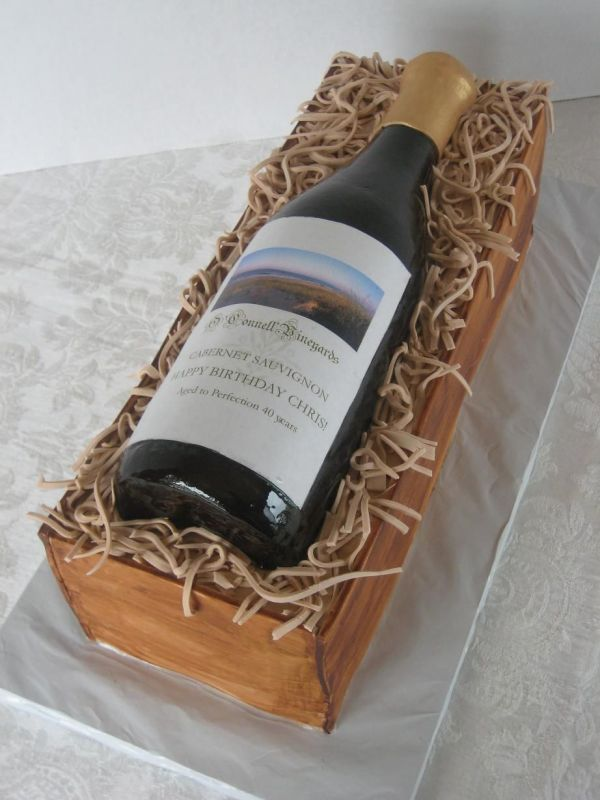 wine bottle cake--so freakin cool! Want.