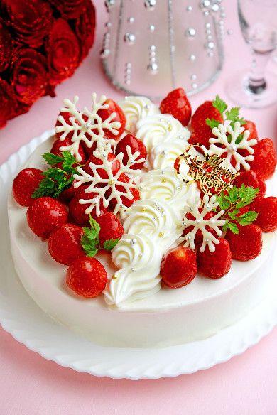 いちごのホワイトチョコムースケーキ