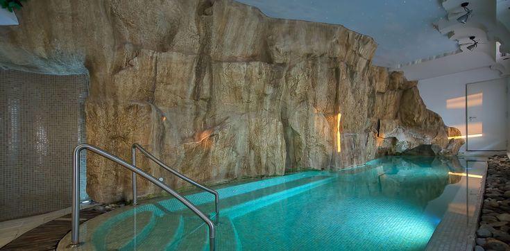 CENTRO BENESSERE  La spa dell'Hotel Bellavista Francischiello è la punta di diamante della struttura e rappresenta uno degli aspetti più piacevoli del soggiorno. Piscina riscaldata, la sauna, i lettini solari, l'area fitness e una vasta gamma di trattamenti tutti da scoprire.