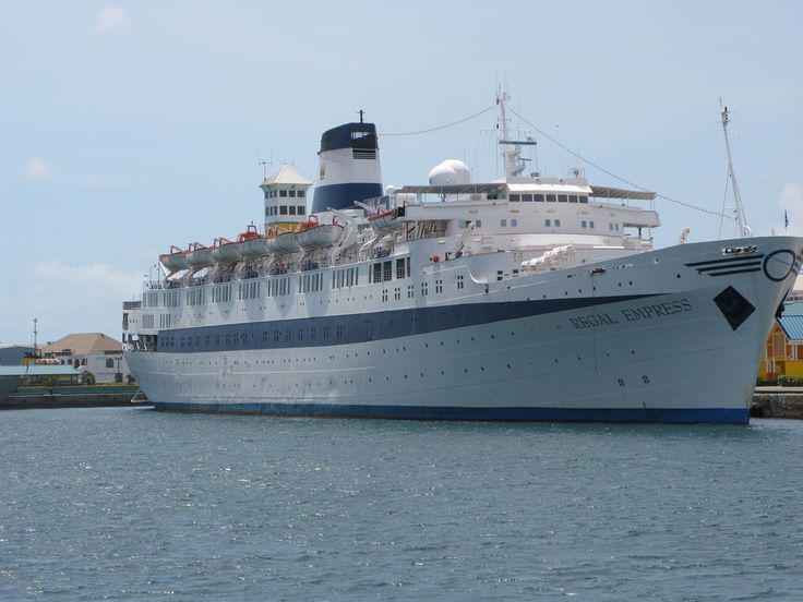 https://flic.kr/p/57skhj | The Olympia (Regal Empress) | The oldest cruise ship still running, a beaty in search of a good keeper