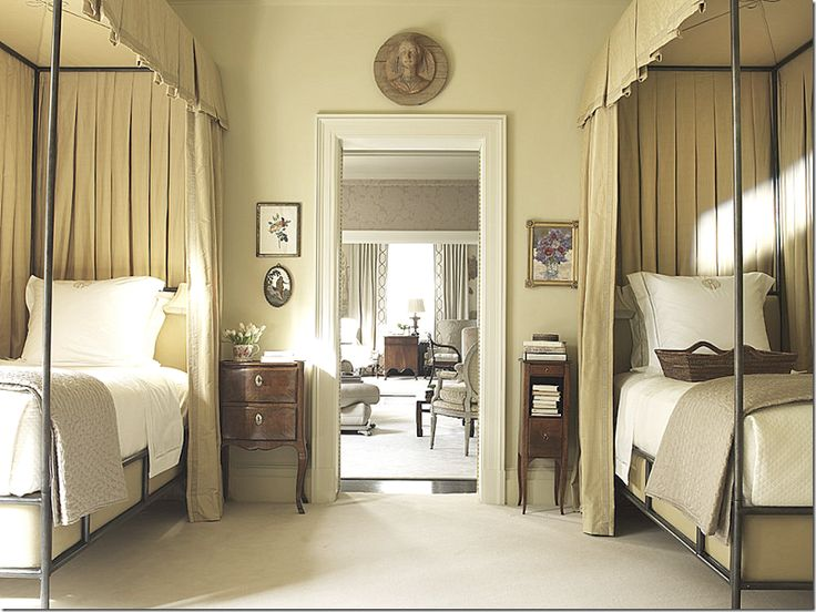 suzanne piedterre bedroom