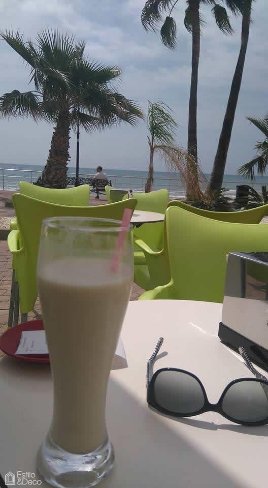 Desayunando en Alcocéber, Castellón, España. Foto enviada por: Manuela Garcia Martine