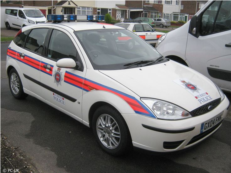 This 2004 Ford Focus saw service until 2014 when it became the last non battenburg vehicle & 387 best Z Cars images on Pinterest | Police cars Police vehicles ... markmcfarlin.com