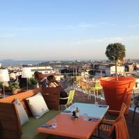 Renkli dekorasyonu, kocaman terası, rahat ortamıyla son iki yazın en popüler mekanlarından. Tüm dünyadaki Mama Shelter oteller zincirinin İstanbul'daki şubesi, tasarım meraklılarının gözdesi. #maximumkart #MamaShelter #Beyoğlu #İstanbul #İstanbulMekanlar #popülermekanlar #İstanbuldakiTeraslar #terascafe #terracerestaurant #cafe #restaurant #cafes #cafeler #gidilecekyerler