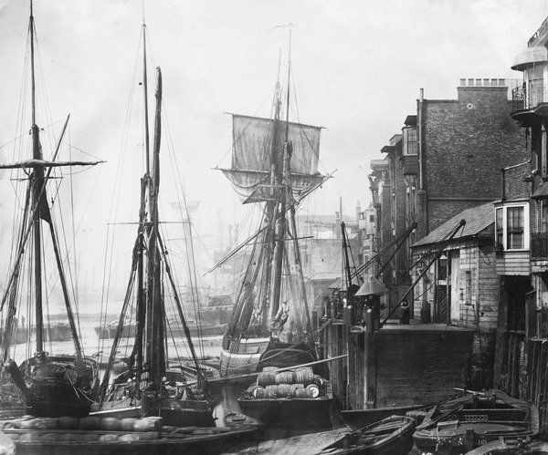 """RMG Photo Studio on Twitter: """"Black Eagle Wharf, Wapping on the north bank of the Thames, below Tower Bridge was one of the busiest waterfronts in London #photooftheday https://t.co/6zgedyzx5y"""""""