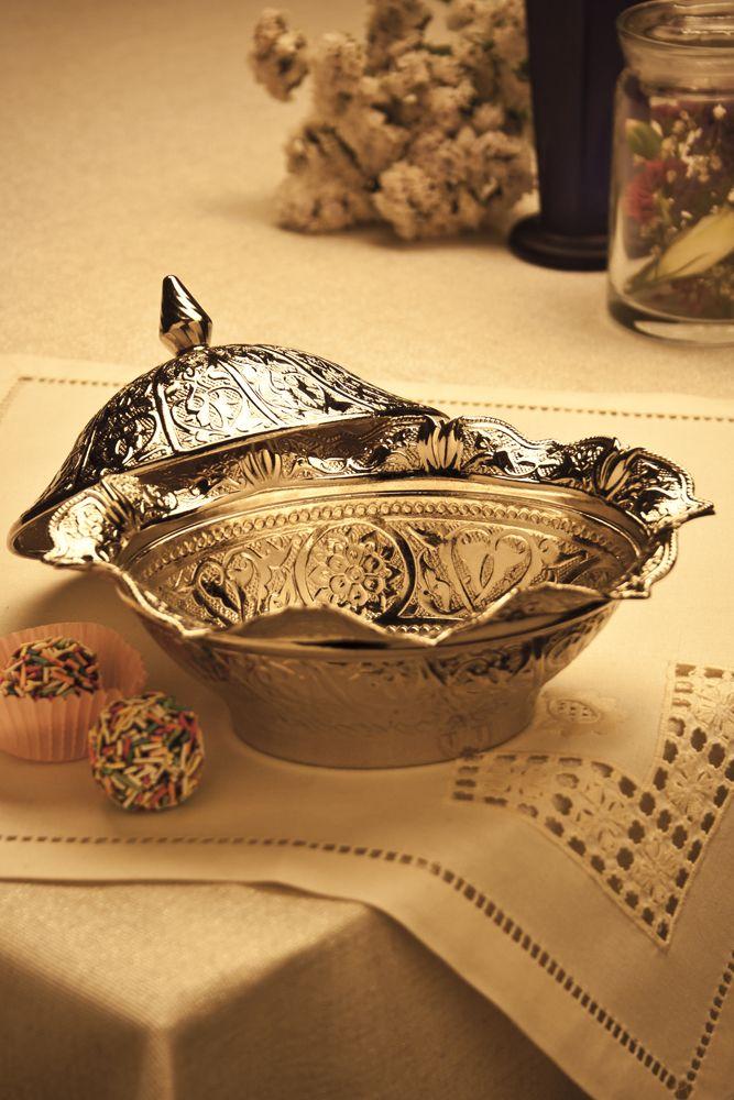 Hediyelik Gümüş Renk Oval Sahra Şekerlik