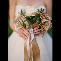 Букет невесты с длинными лентами