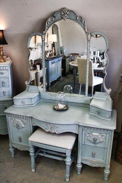 36 Love this Beautiful Antique Dresser and Mirror in Dressing Room
