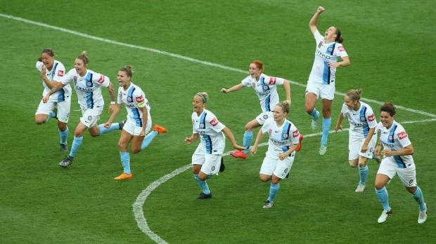 Joy for Melbourne City as they scrape through to the W-League Grand Final after a thrilling 5-4 (0-0) penalty shoot-out victory over the Brisbane Roar. 26.01.16