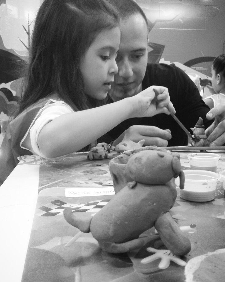 Taller de cerámica para niños  Maestro Sebastian Rueda Taller de Cerámica Terracota Whatsapp: 317- 474 83 99 Barichara, Santander, Colombia.