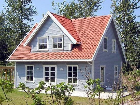 Schwedenhaus-Holzhaus-Farbe-streichen-04