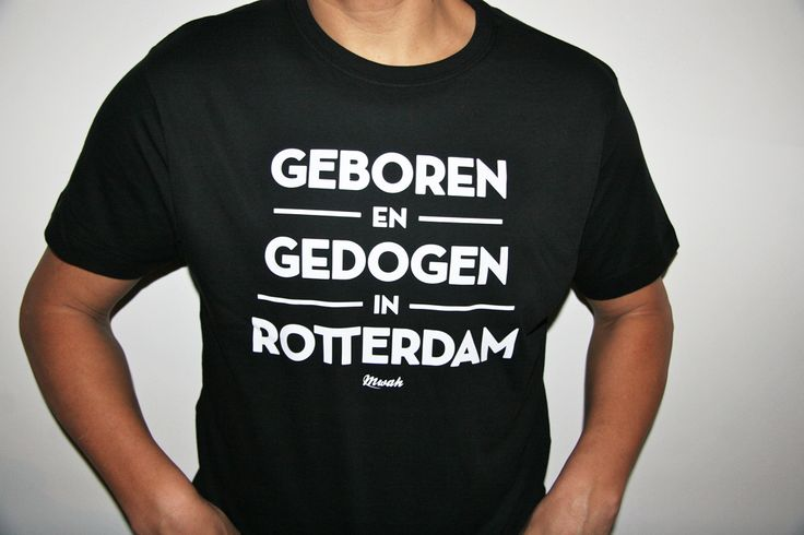 Geboren en gedogen in Rotterdam  Al eerder een klassiek shirt in ons assortiment. Op verzoek weer terug met een speciaal herontwerp. Voor alle Rotterdammers die hier mogen zijn.  Het shirt is 100% katoen en is uiteraard Fair Wear.